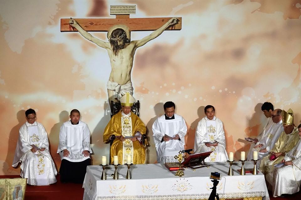 Macau missa no Mes Missionario Extraordinario.Foto MV Basilio 05