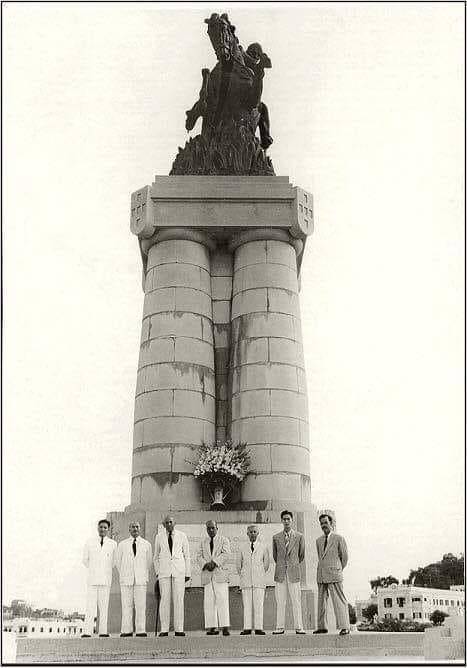A estátua Ferreira do Amaral no aniversário da Tomada de Passaleão em 1951